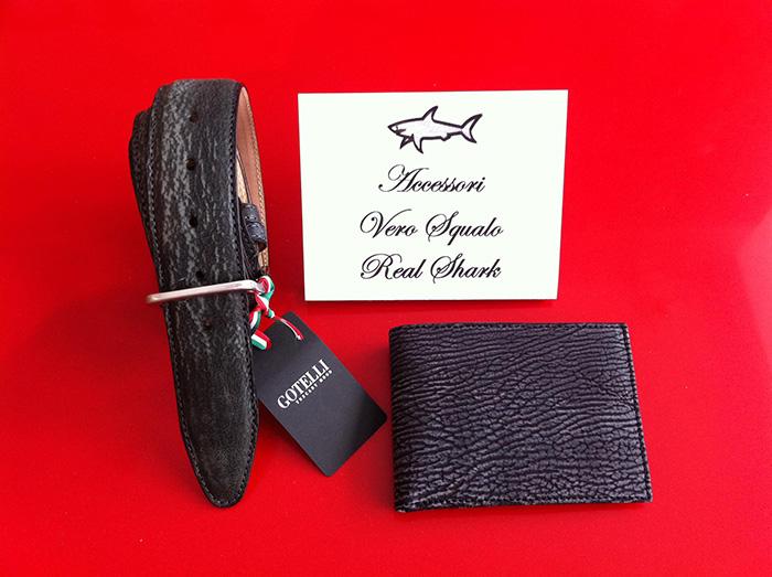 Cintura e portafoglio in pelle di squalo